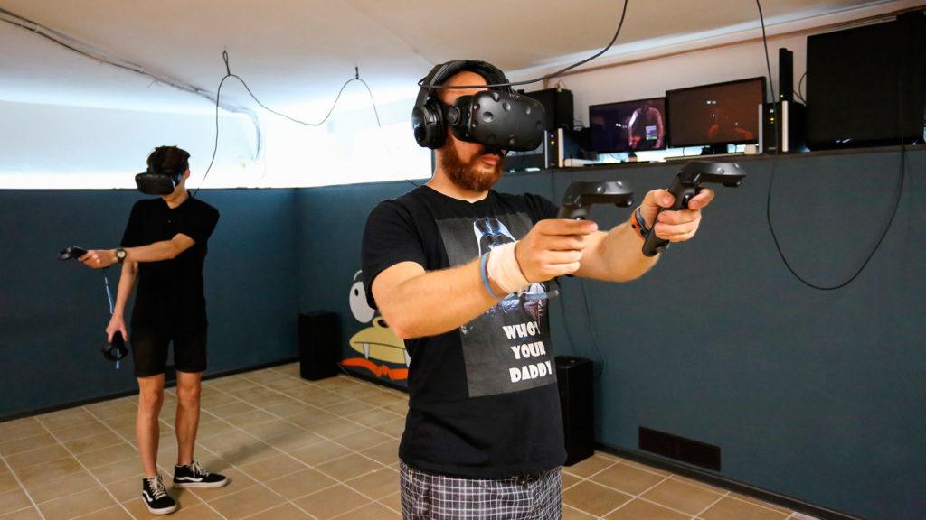 FUTURAMA - Клуб виртуальной реальности в Пскове